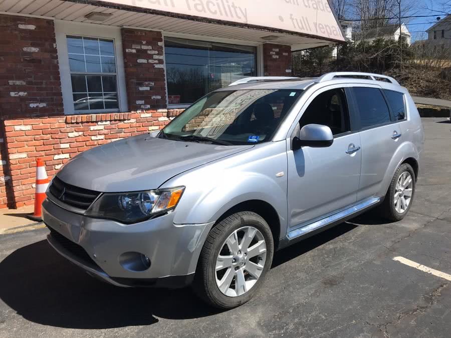 2009 Mitsubishi Outlander 4WD 4dr SE, available for sale in Naugatuck, Connecticut | Riverside Motorcars, LLC. Naugatuck, Connecticut
