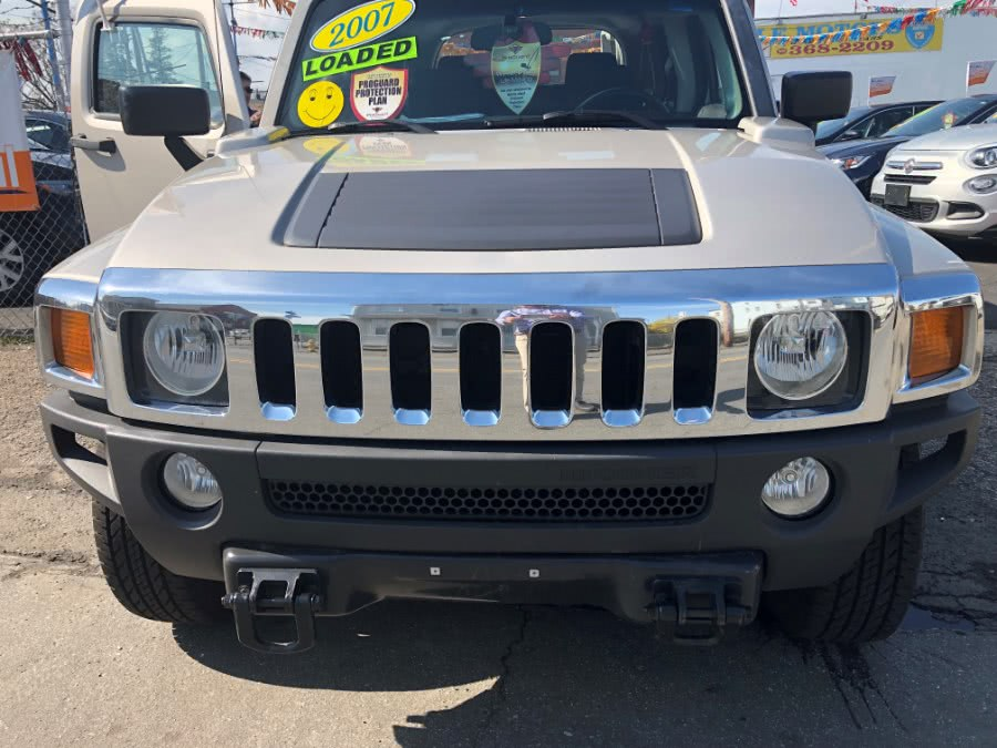 Used 2006 HUMMER H3 in Bridgeport, Connecticut | Affordable Motors Inc. Bridgeport, Connecticut