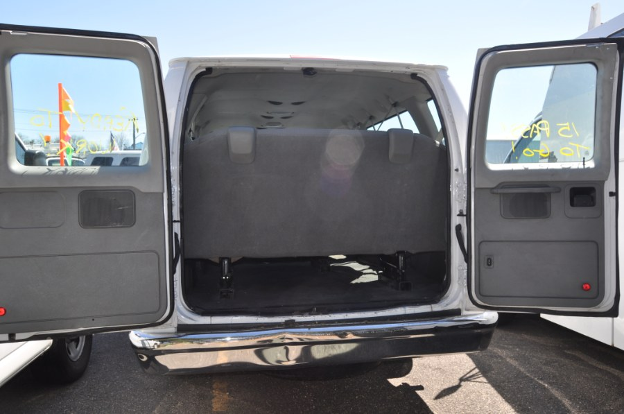 2010 Ford Econoline Wagon E-350 Super Duty Ext XLT, available for sale in Lindenhurst, New York | The Van Depot Inc.. Lindenhurst, New York