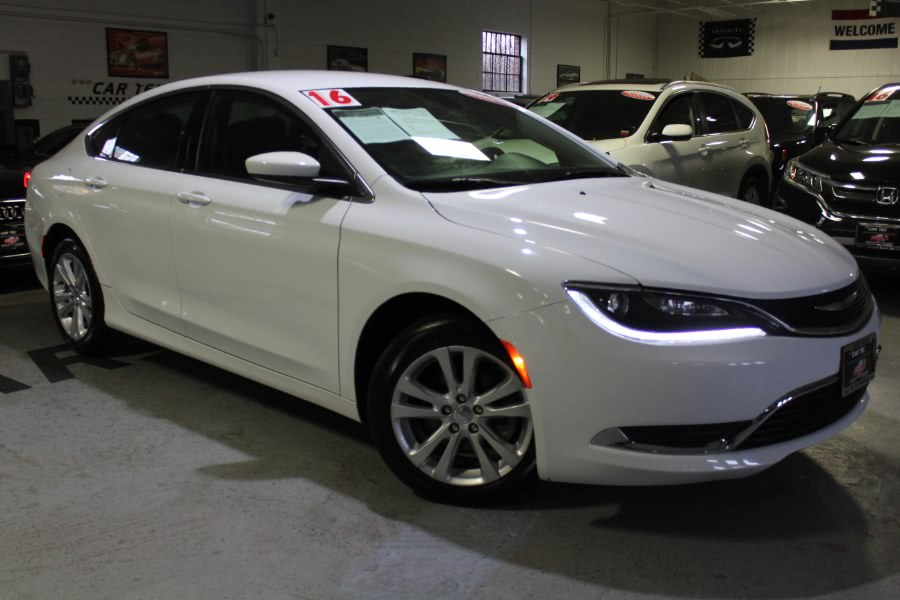 Used 2016 Chrysler 200 in Deer Park, New York | Car Tec Enterprise Leasing & Sales LLC. Deer Park, New York