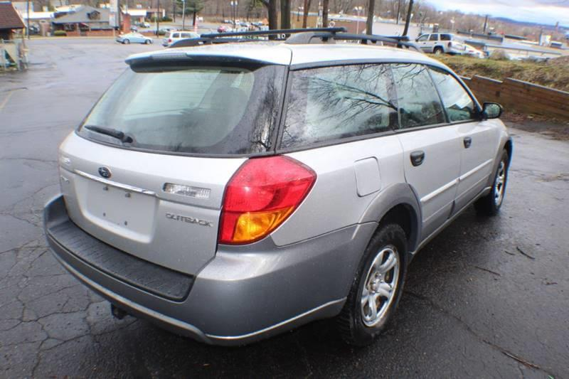 2007 Subaru Outback 2.5i AWD 4dr Wagon (2.5L F4 5M), available for sale in Waterbury, Connecticut | Sphinx Motorcars. Waterbury, Connecticut