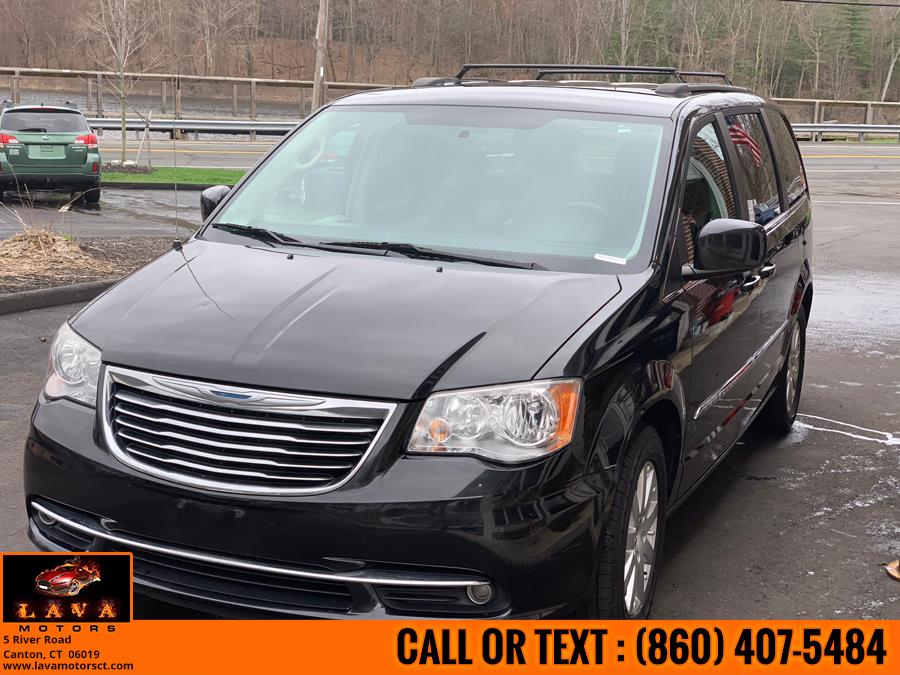 2013 Chrysler Town & Country 4dr Wgn Touring, available for sale in Canton, Connecticut | Lava Motors. Canton, Connecticut