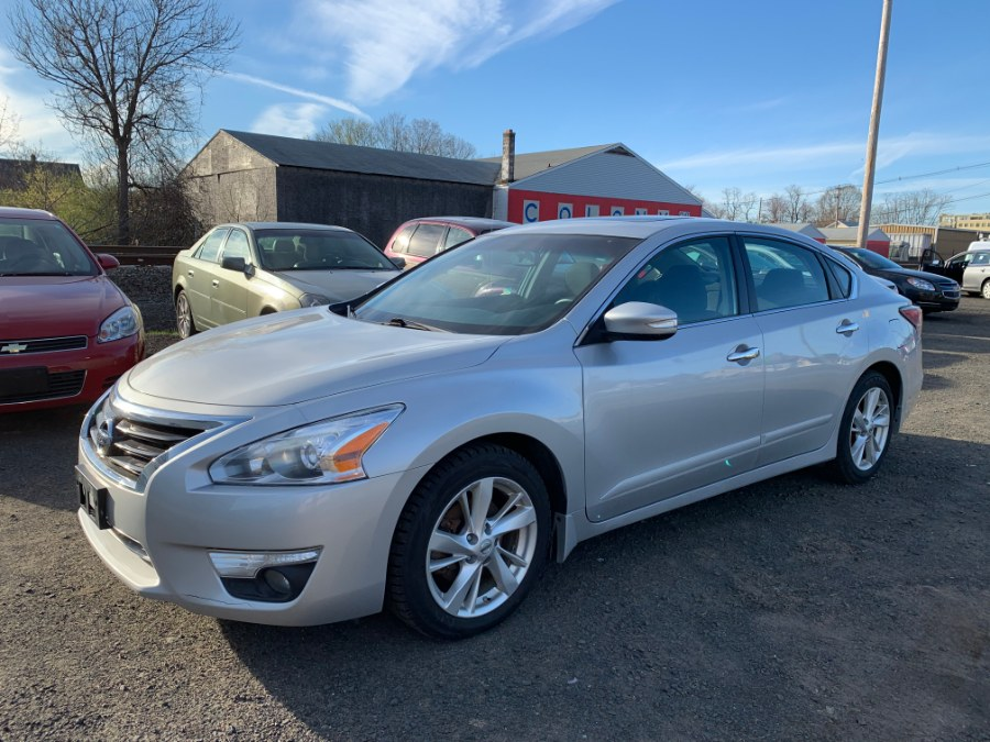 2015 Nissan Altima 4dr Sdn I4 2.5 S, available for sale in Wallingford, Connecticut | Wallingford Auto Center LLC. Wallingford, Connecticut