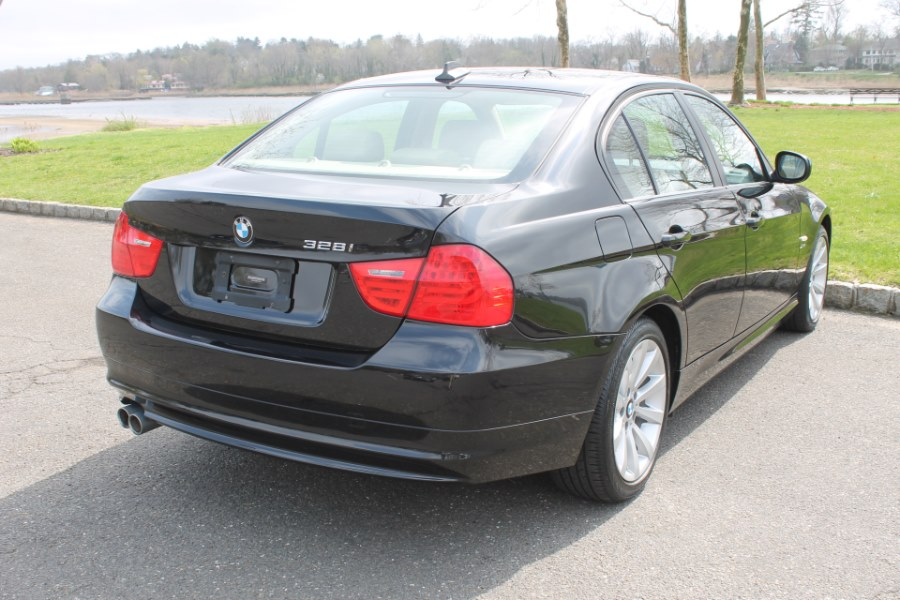 2011 BMW 3 Series 4dr Sdn 328i xDrive AWD SULEV, available for sale in Great Neck, NY