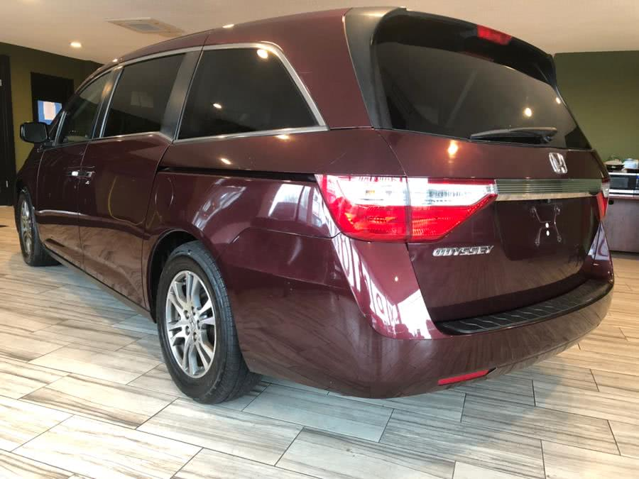Used 2013 Honda Odyssey in West Hartford, Connecticut | AutoMax. West Hartford, Connecticut
