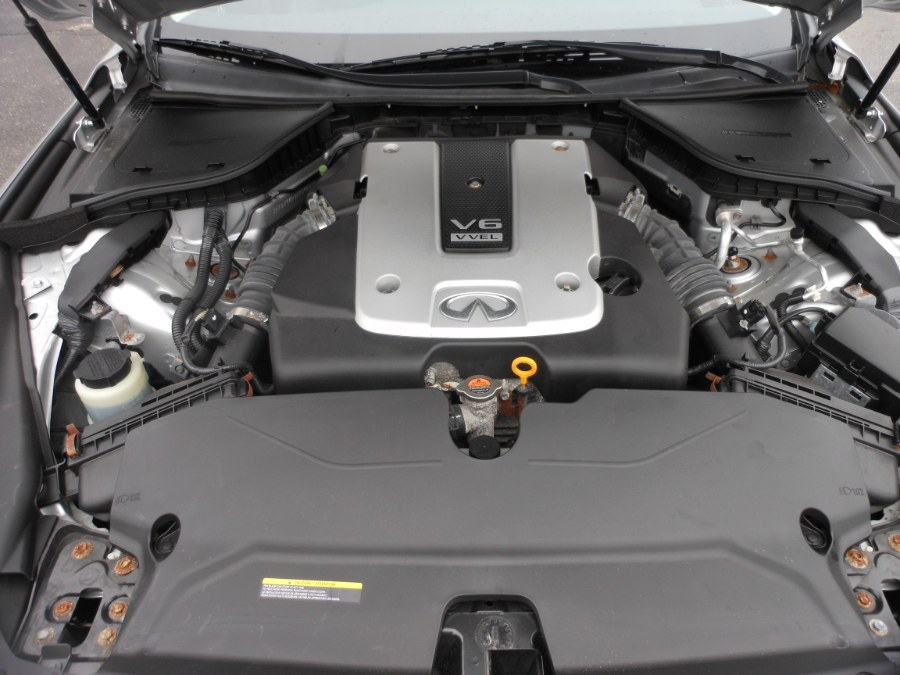 2015 Infiniti Q50 4dr Sdn Premium AWD, available for sale in Yantic, Connecticut   Yantic Auto Center. Yantic, Connecticut