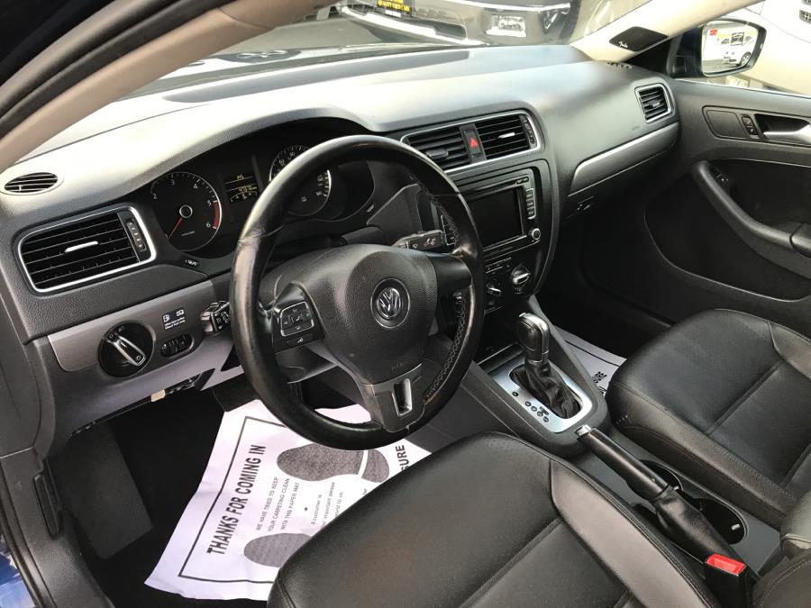2013 Volkswagen Jetta Sedan 4dr DSG TDI, available for sale in West Hartford, Connecticut | Auto Store. West Hartford, Connecticut