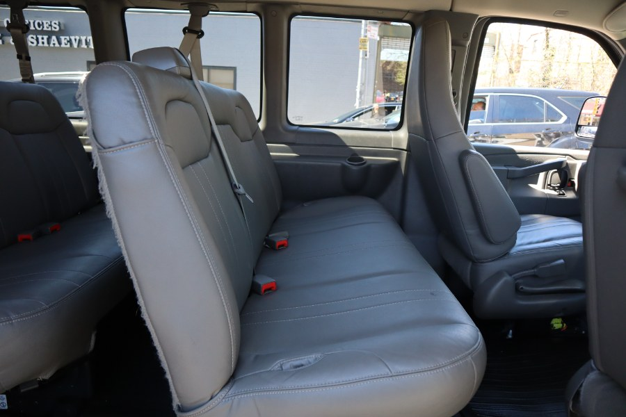 2016 Chevrolet Express Passenger RWD 2500 135