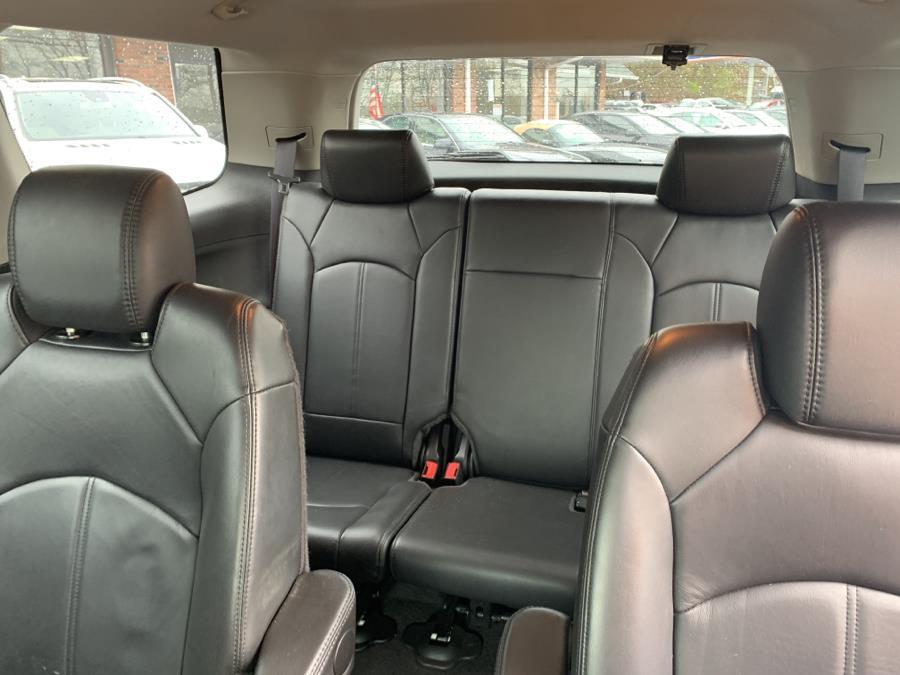 2009 GMC Acadia AWD 4dr SLT1, available for sale in Meriden, Connecticut | Five Star Cars LLC. Meriden, Connecticut