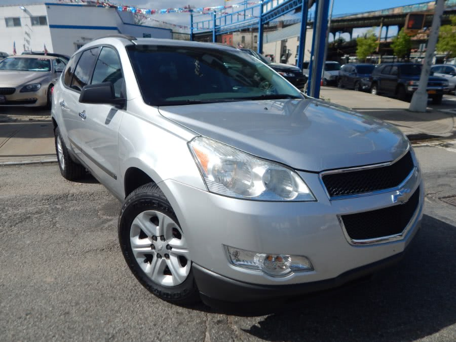 Used Chevrolet Traverse AWD 4dr LS 2010 | Brooklyn Auto Mall LLC. Brooklyn, New York