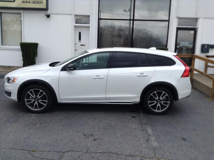 2018 Volvo V60 Cross Country T5 AWD, available for sale in Groton, Connecticut | Eurocars Plus. Groton, Connecticut