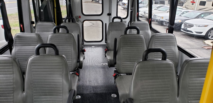 """2013 Ford Econoline Commercial Cutaway E-350 Super Duty 176"""" DRW, available for sale in Thomaston, CT"""