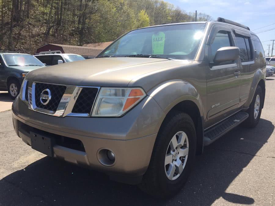 Used 2005 Nissan Pathfinder in Meriden, Connecticut | Debs Auto Upholstery. Meriden, Connecticut