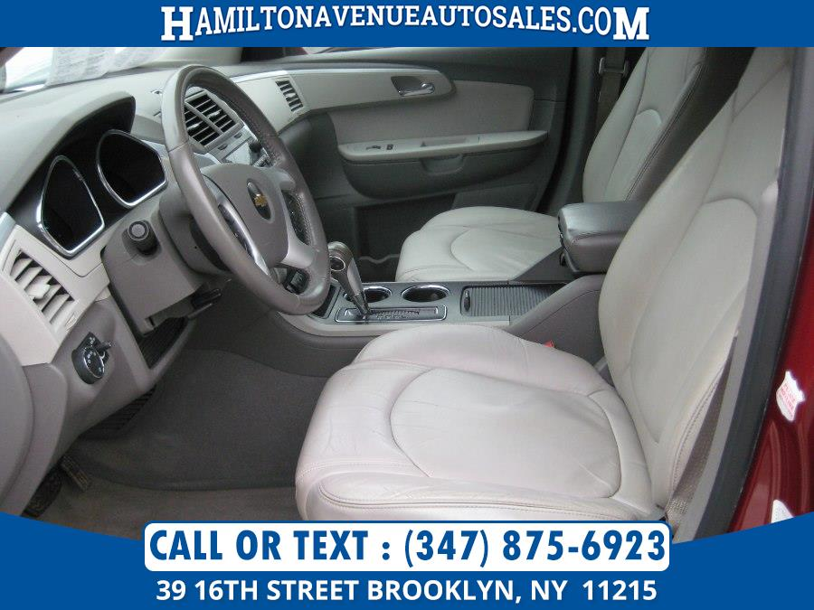 2011 Chevrolet Traverse AWD 4dr LT w/2LT, available for sale in Brooklyn, New York | Hamilton Avenue Auto Sales DBA Nyautoauction.com. Brooklyn, New York