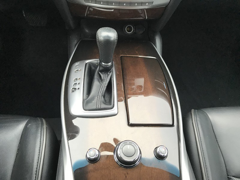 2015 INFINITI QX60 AWD 4dr, available for sale in West Springfield, Massachusetts | Union Street Auto Sales. West Springfield, Massachusetts