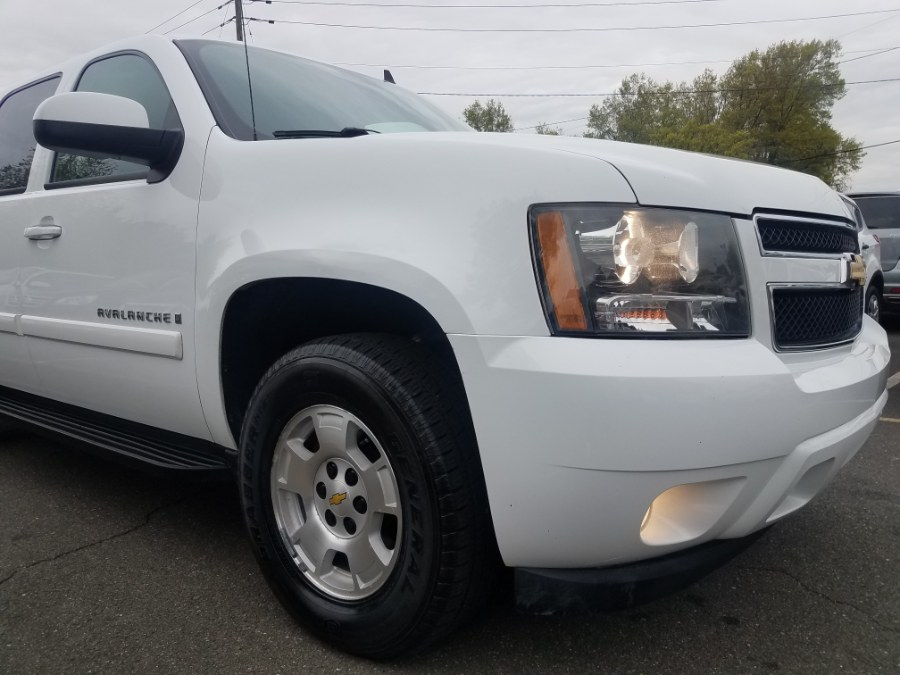 "Used Chevrolet Avalanche 4WD Crew Cab 130"" LT w/1LT 2009 