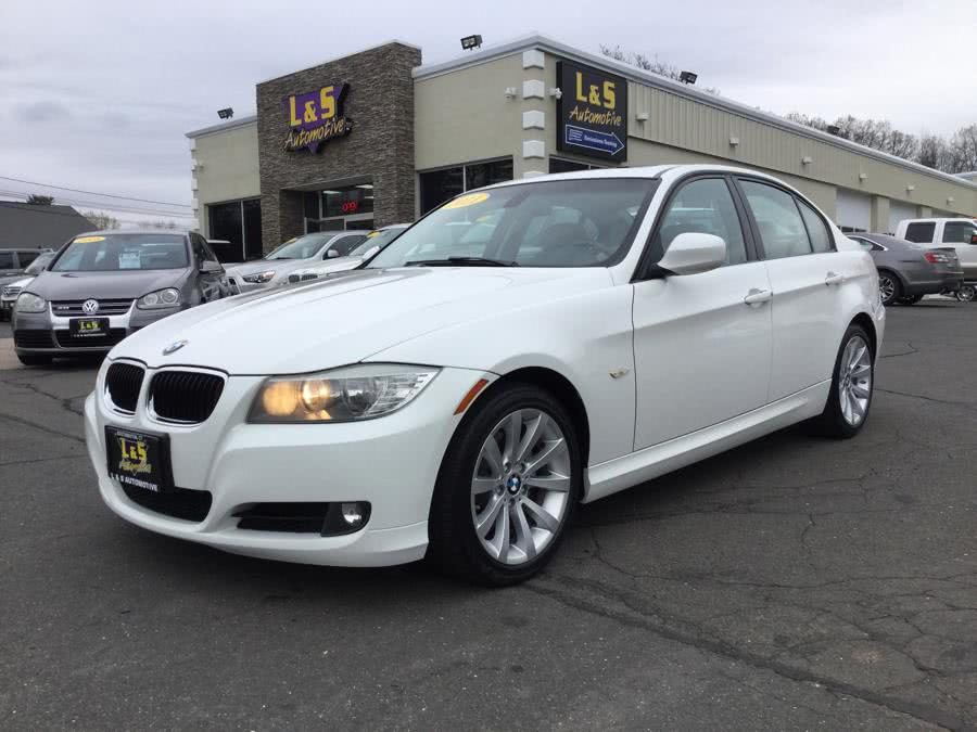2011 BMW 3 Series 4dr Sdn 328i RWD SULEV, available for sale in Plantsville, CT