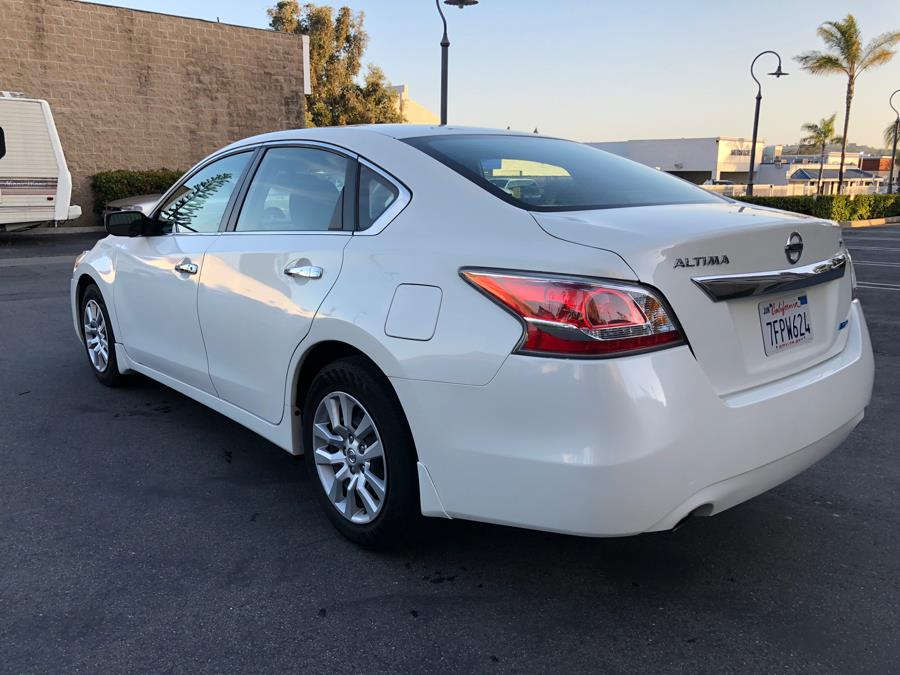 2014 Nissan Altima 4dr Sdn I4 2.5 S, available for sale in Lake Forest, California | Carvin OC Inc. Lake Forest, California