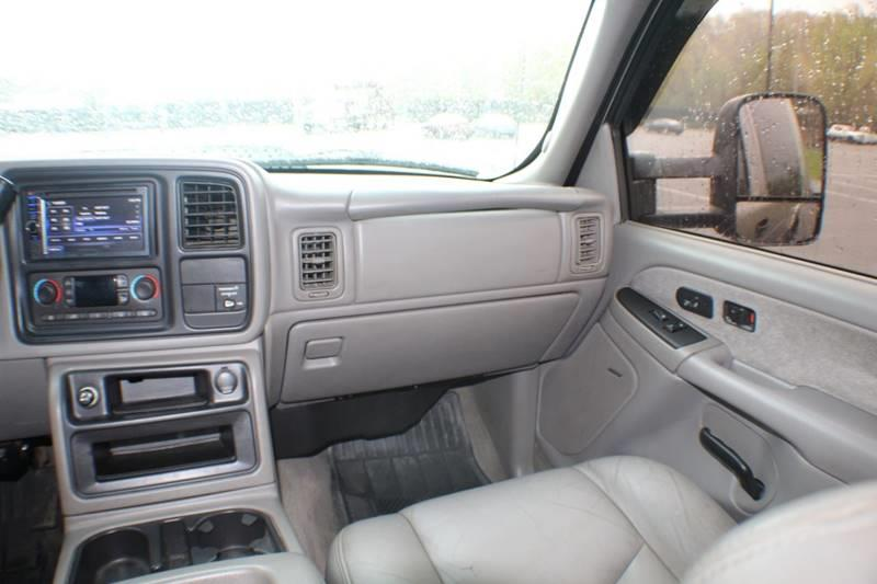 2003 GMC Sierra 2500hd SLE 4dr Extended Cab 4WD SB, available for sale in Waterbury, Connecticut | Sphinx Motorcars. Waterbury, Connecticut