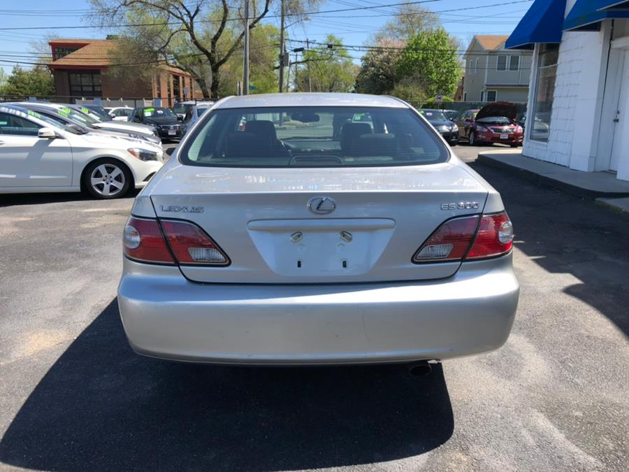 2002 Lexus ES 300 4dr Sdn, available for sale in Lindenhurst, New York | Rite Cars, Inc. Lindenhurst, New York