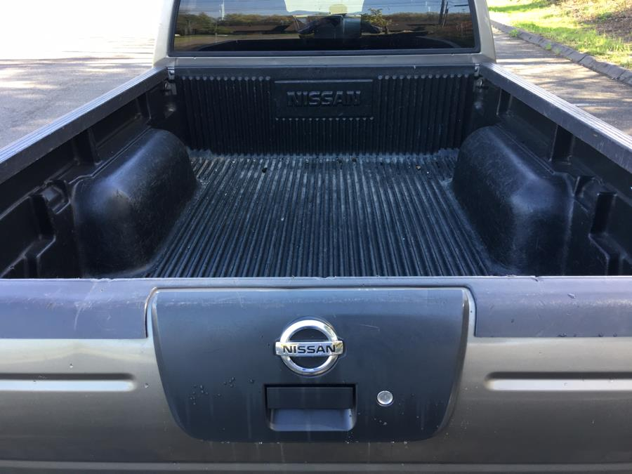 2004 Nissan Frontier 4WD XE Crew Cab V6 Auto LB, available for sale in Plainville, Connecticut | Farmington Auto Park LLC. Plainville, Connecticut