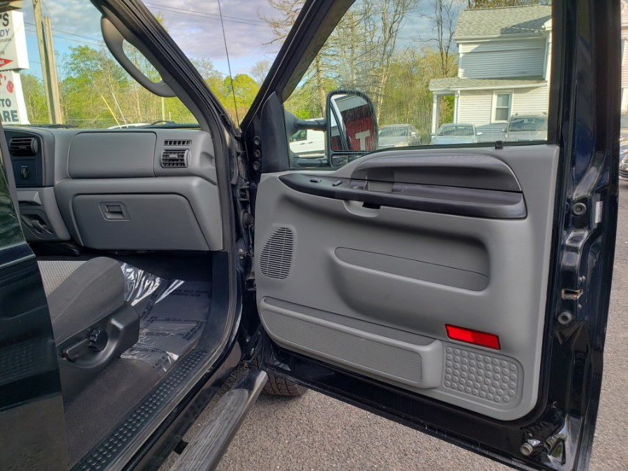2006 Ford Super Duty F-250 Crew Cab Diesel 6.0 Power Stroke 4WD XLT, available for sale in East Windsor, Connecticut | Toro Auto. East Windsor, Connecticut