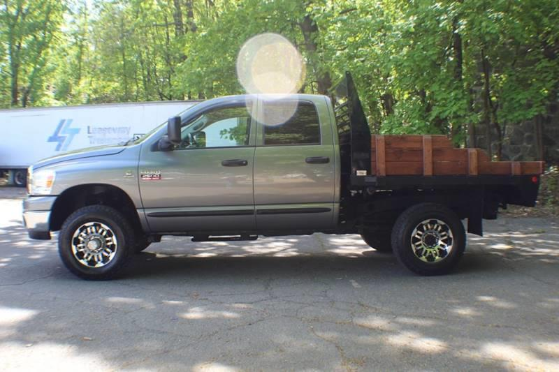 2007 Dodge Ram Pickup 2500 SLT 4x4 4dr Quad Cab 6.3 ft. SB Pickup, available for sale in Waterbury, Connecticut | Sphinx Motorcars. Waterbury, Connecticut