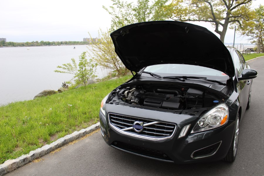 2012 Volvo S60 FWD 4dr Sdn T5, available for sale in Great Neck, NY