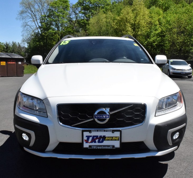2015 Volvo XC70 AWD 4dr Wgn 3.2L Platinum PZEV, available for sale in Berlin, Connecticut | Tru Auto Mall. Berlin, Connecticut