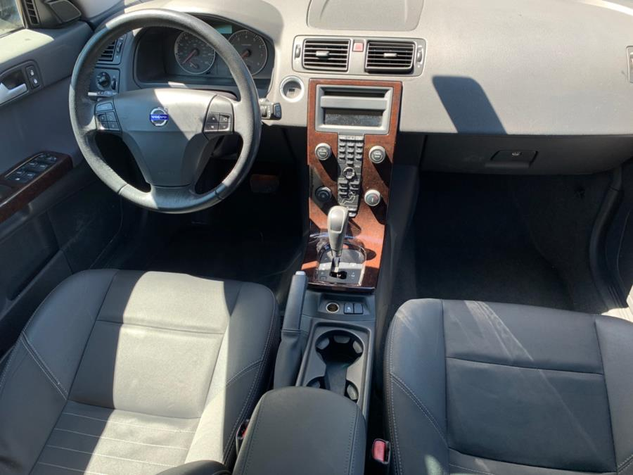 2006 Volvo V50 2.4L Auto w/Sunroof, available for sale in Cheshire, Connecticut | Automotive Edge. Cheshire, Connecticut