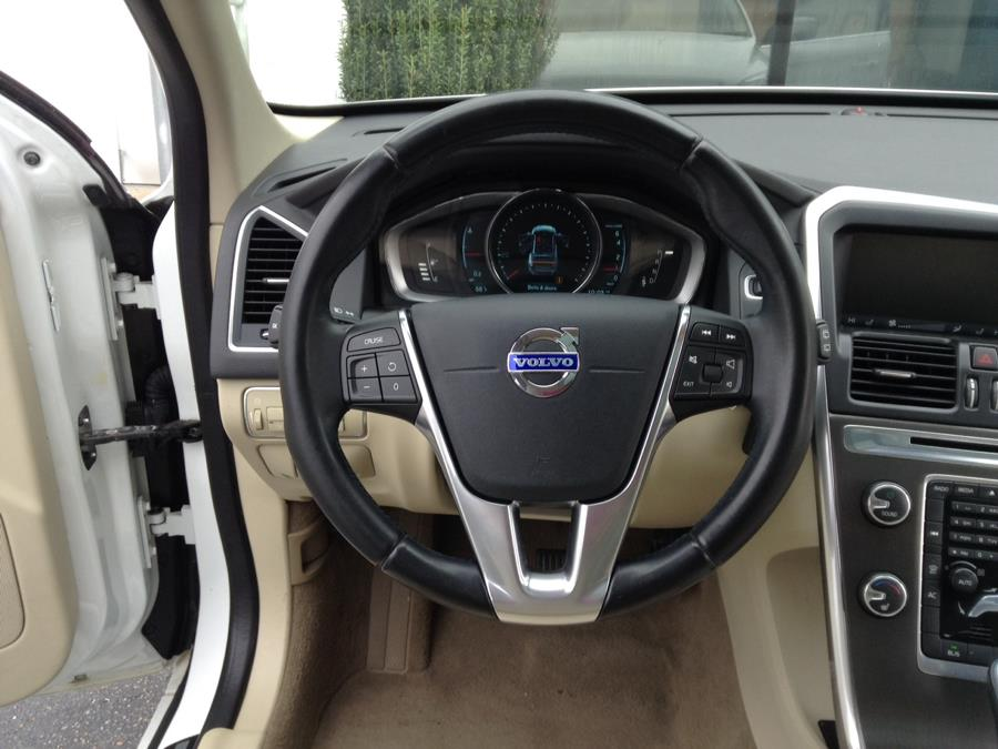 2014 Volvo XC60 AWD 4dr 3.2L PZEV, available for sale in Groton, Connecticut | Eurocars Plus. Groton, Connecticut