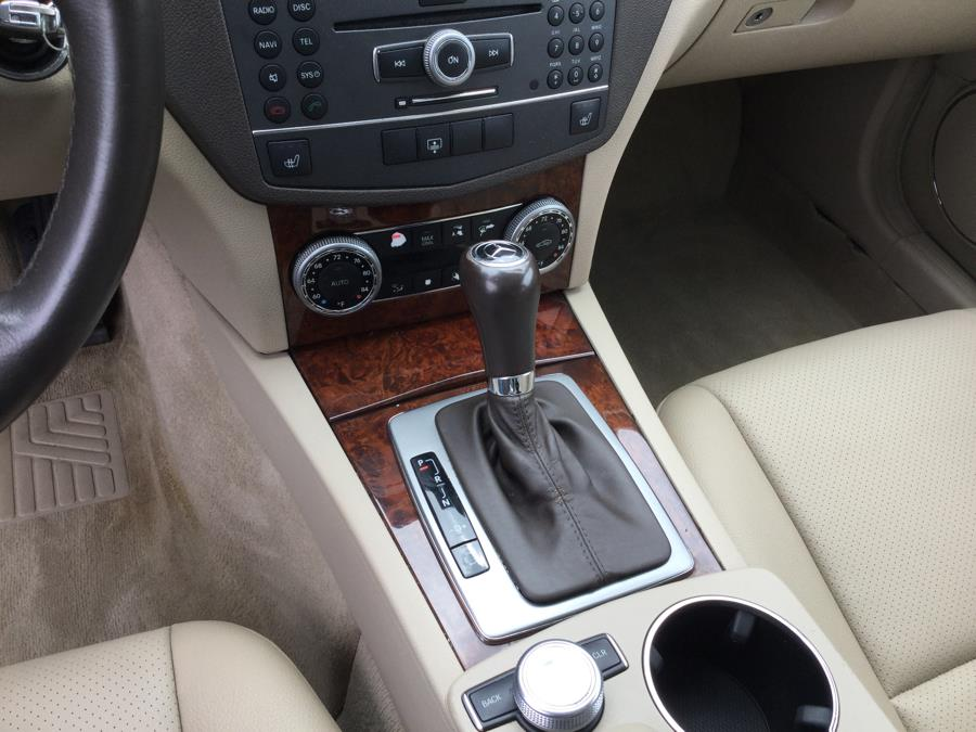 Used Mercedes-Benz C-Class 4dr Sdn C300 Luxury 4MATIC 2011 | L&S Automotive LLC. Plantsville, Connecticut