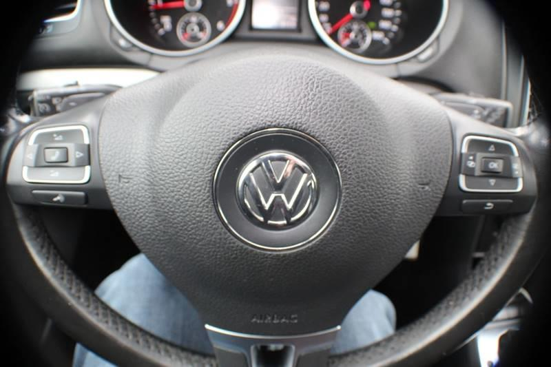 2012 Volkswagen Golf TDI 4dr Hatchback 6A w/ Sunroof and Navigation, available for sale in Waterbury, Connecticut | Sphinx Motorcars. Waterbury, Connecticut