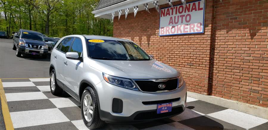 Used Kia Sorento 2WD 4dr  LX 2015 | National Auto Brokers, Inc.. Waterbury, Connecticut