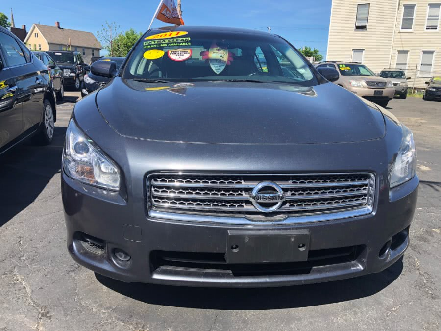 Used 2011 Nissan Maxima in Bridgeport, Connecticut | Affordable Motors Inc. Bridgeport, Connecticut
