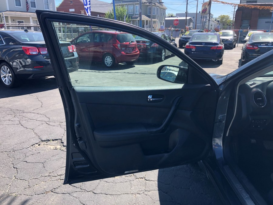 Used Nissan Maxima 4dr Sdn V6 CVT 3.5 SV w/Premium Pkg 2011 | Affordable Motors Inc. Bridgeport, Connecticut