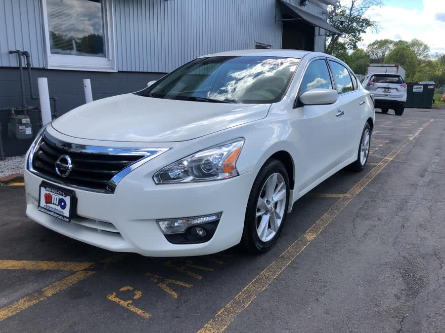 Used 2015 Nissan Altima in Middletown, Connecticut | Middletown Motorcars. Middletown, Connecticut