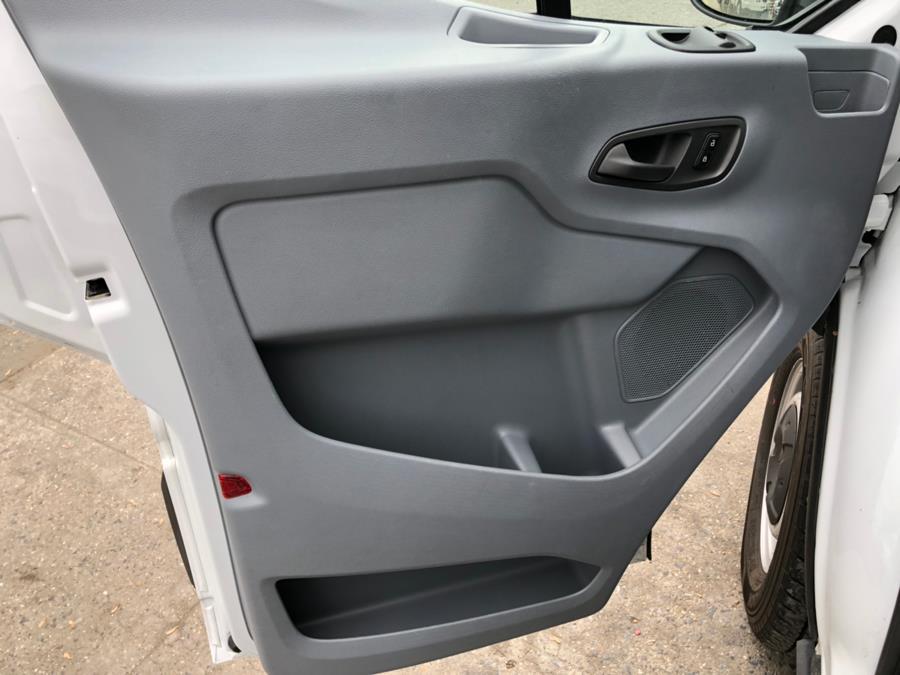2018 Ford Transit Van T-250 148