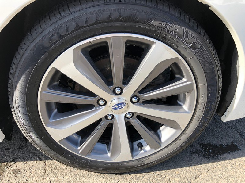 2016 Subaru Legacy 4dr Sdn 2.5i Limited PZEV, available for sale in West Springfield, Massachusetts   Union Street Auto Sales. West Springfield, Massachusetts