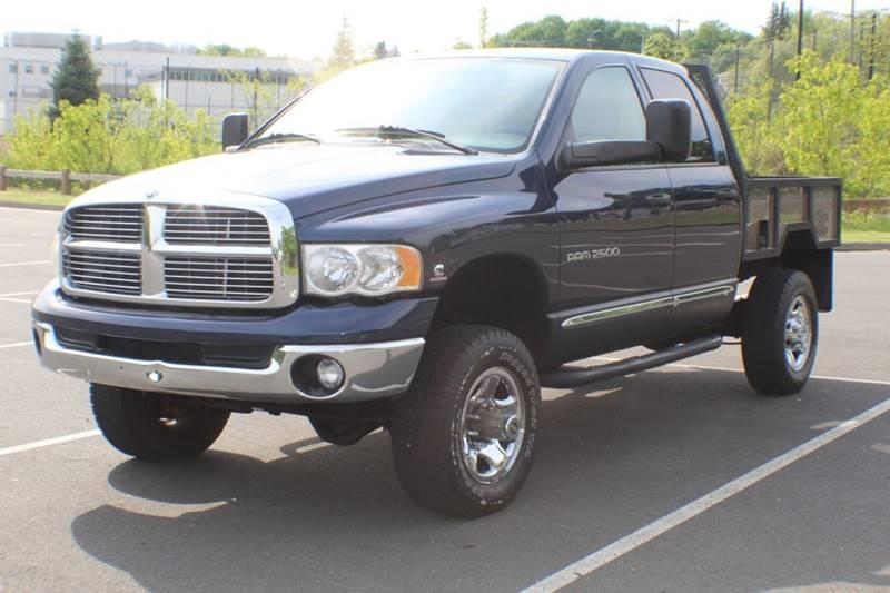 2005 Dodge Ram Pickup 2500 Laramie 4dr Quad Cab 4WD SB, available for sale in Waterbury, Connecticut | Sphinx Motorcars. Waterbury, Connecticut