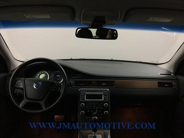 2011 Volvo Xc70 4dr Wgn 3.2L AWD w/Moonroof, available for sale in Naugatuck, Connecticut | J&M Automotive Sls&Svc LLC. Naugatuck, Connecticut