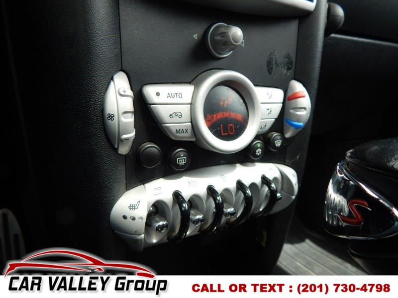 2010 MINI Cooper Hardtop 2dr Cpe S, available for sale in Jersey City, New Jersey | Car Valley Group. Jersey City, New Jersey