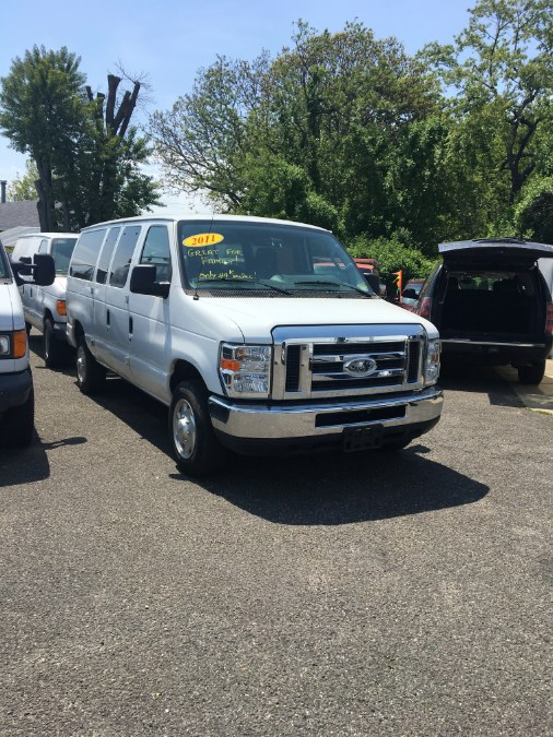 2011 Ford Econoline Wagon E-350 Super Duty XL, available for sale in Lindenhurst, New York | The Van Depot Inc.. Lindenhurst, New York