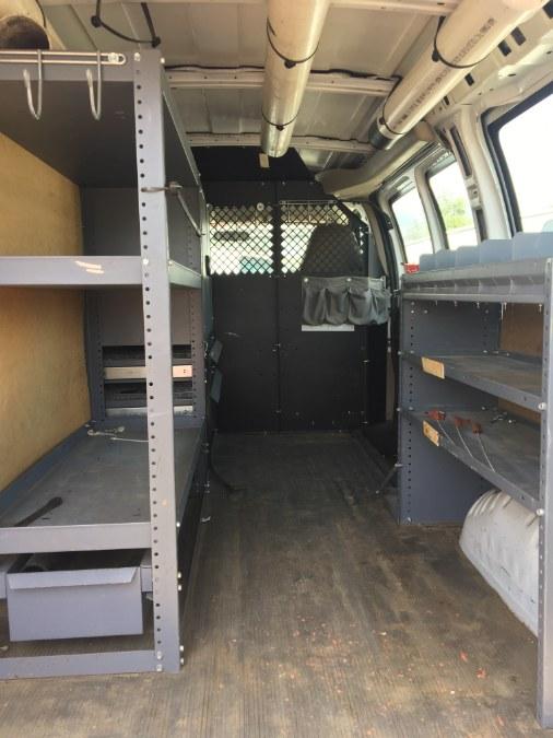 2008 Chevrolet Express Cargo Van RWD 1500 135