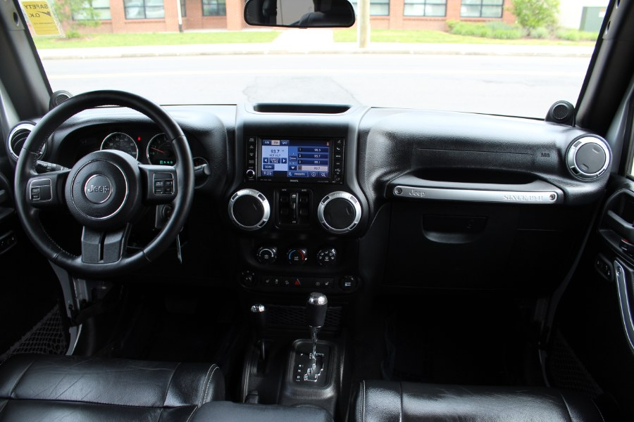 2012 Jeep Wrangler Unlimited 4WD 4dr Sahara, available for sale in Manchester, Connecticut | Carsonmain LLC. Manchester, Connecticut