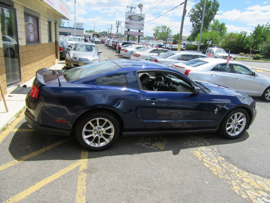 Used Ford Mustang 2dr Cpe V6 Premium 2011 | Royalty Auto Sales. Little Ferry, New Jersey