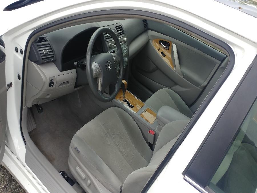 Used Toyota Camry 4dr Sdn I4 Auto XLE 2007 | Matts Auto Mall LLC. Chicopee, Massachusetts