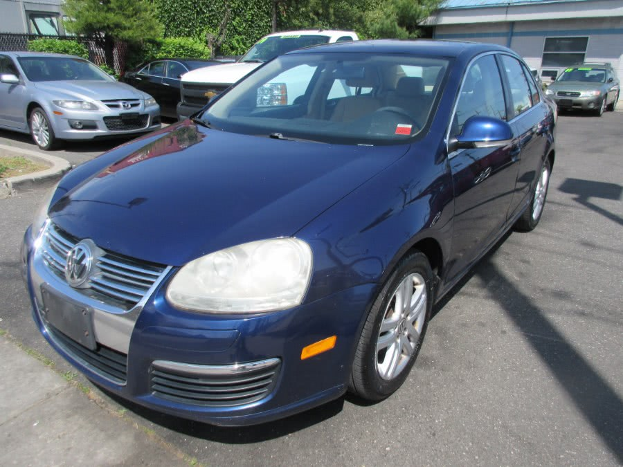2007 Volkswagen Jetta Sedan 2.5, available for sale in Lynbrook, NY