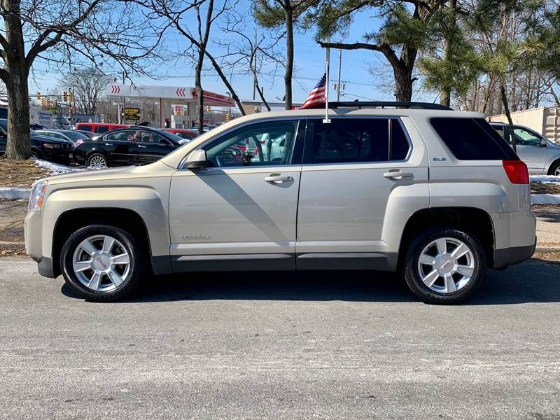 2010 GMC Terrain FWD 4dr SLE-2, available for sale in Little Ferry, New Jersey | Daytona Auto Sales. Little Ferry, New Jersey