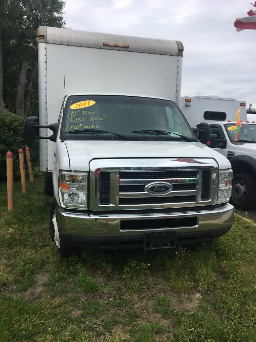 2011 Ford Econoline Commercial Cutaway E-350 Super Duty 158